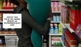 comic xxx 3D comprando en el supermercado